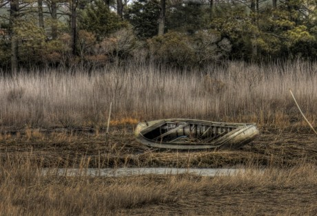2011-0202-BeachedOpenBoat-8938-HDR-13X19-CWR